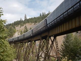 обои Висячая железная дорога фото