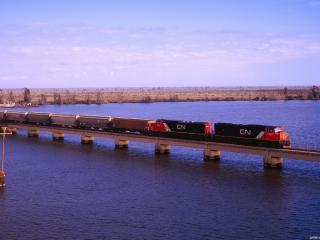 обои Железная дорога через большую реку фото