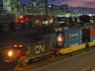 обои Приход товарного поезда фото