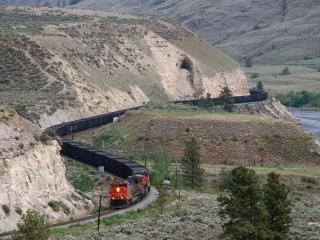 обои Извилистая железная дорога фото