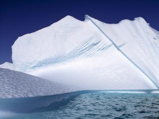 обои Снег на айсберге фото