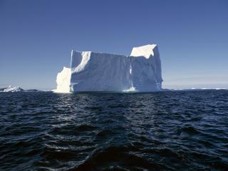 обои Огромный кусок айсберга фото