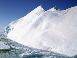 обои Наклонившаяся льдина фото