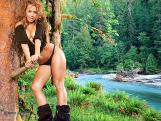 обои Жанна Фриске в лесу фото