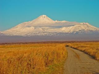 обои Авачинский вулкан возле Петропавловск-Камчатского фото