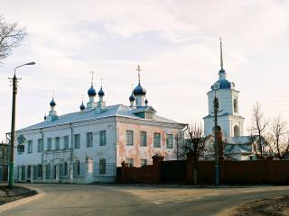 обои Церковь с пристроем фото