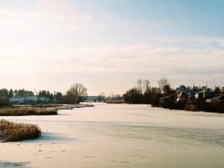 обои Замерзшая река фото