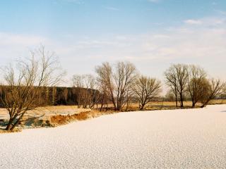 обои Река,   покрытая льдом фото