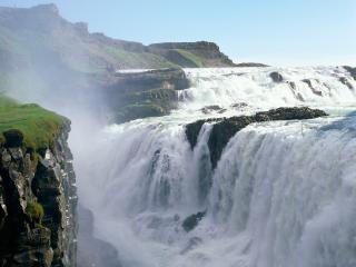 обои Золотой водопад в Исландии фото