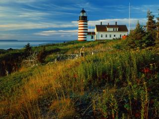 обои Sunrise at Quoddy Head Lighthouse,   Lubec,   Maine фото