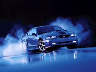 обои FORD Mustang GT Coupe 1998–2004 в ночном тумане фото
