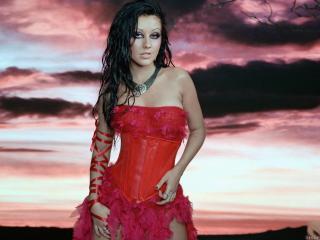 обои Кристина Агилера в красном платье фото