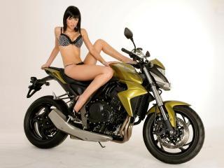 обои Girl on the bike фото