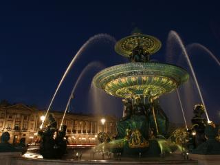 обои Франция  Ночной фонтан фото