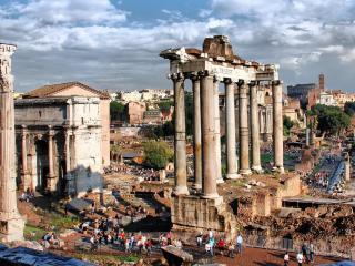 обои Среди развалин древнего города фото