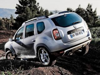 обои Dacia Duster на бездорожье фото