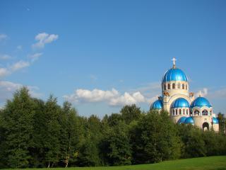 обои Храм с голубыми куполами фото