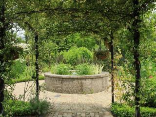 обои Место отдыха в саду фото