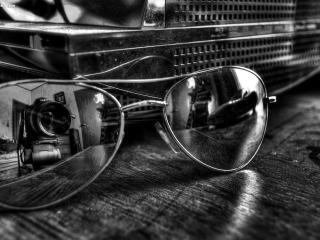 обои Вид сквозь черно-белое фото