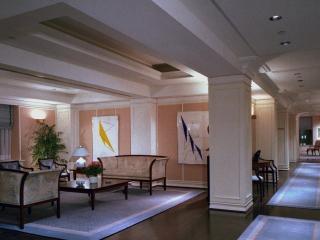 обои Длинный коридор в отеле фото