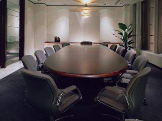 обои Темно-коричневый стол фото