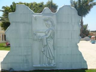 обои Скульптура воина острова Крит фото