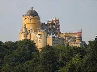 обои Желто-красный замок фото