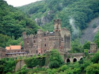 обои Замок в горах фото