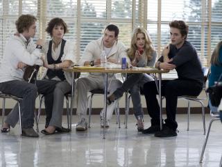 обои Семья вампиров за столом фото