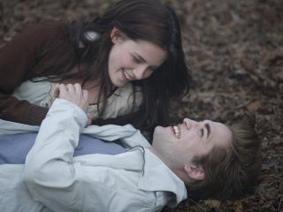 обои Эдвард и белла лежат фото