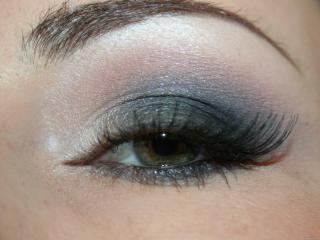 обои Макияж глаза - Серые и розовые тени в сочетании фото
