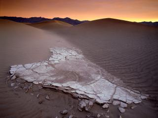 обои Mesquite Sand Dunes at Dawn,   Death Valley National Park,   California фото
