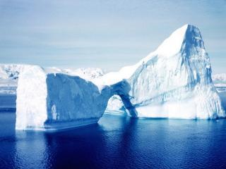 обои Снежные ворота в айсберге фото