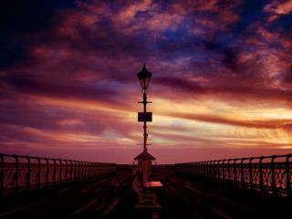 обои Ночь набережная фонарь фото