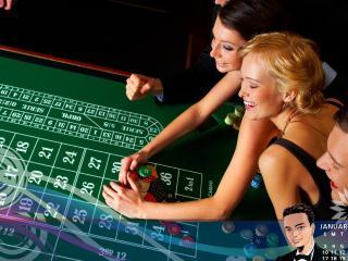 обои Игроки покера приступили к игре фото