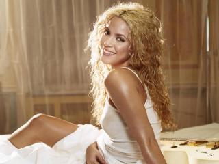 обои Шакира в белом фото
