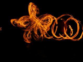 обои Огненные завитки,  Болотная площадь,   лето фото