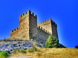 обои для рабочего стола: Генуезская крепость
