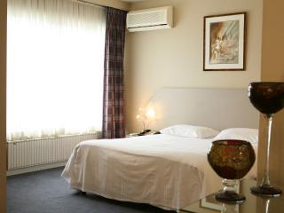 обои Спальный номер в гостинице фото
