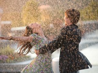 обои Зак Эфрон танцует фото