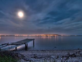 обои Луна в небе фото