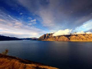 обои Облака над рекой фото