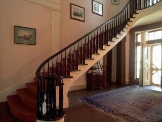 обои Красивая лестница на вверх фото
