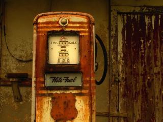 обои Weathered Petrol Pumps,   Kaplan,   Louisiana фото