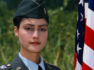 обои Американская девушка-солдат фото