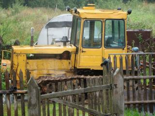 обои Гусеничный трактор фото