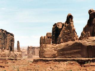 обои Пустынные скалы фото