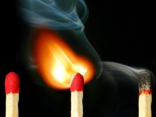 обои Возгорание спичек фото