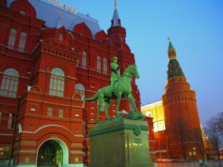 обои Marshall Zhukov Equestrian Statue and State Historical Museum,   Moscow,   Russia фото