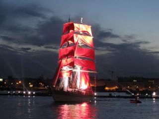 обои Алые паруса в Санкт-Петербурге фото
